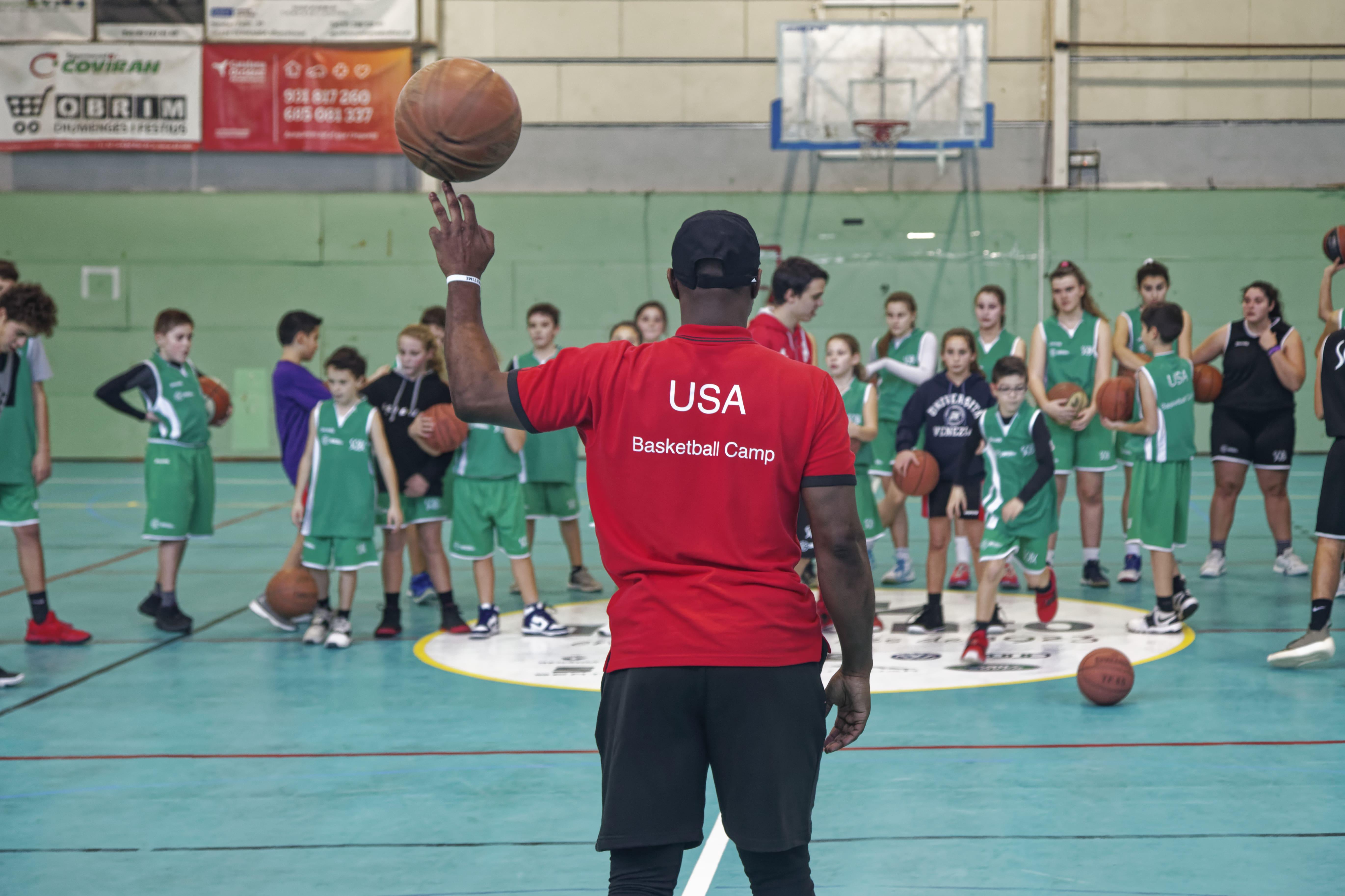 brand new c2e0e af711 Barcelona Christmas Basketball Camp - OfflimitsCamps.com