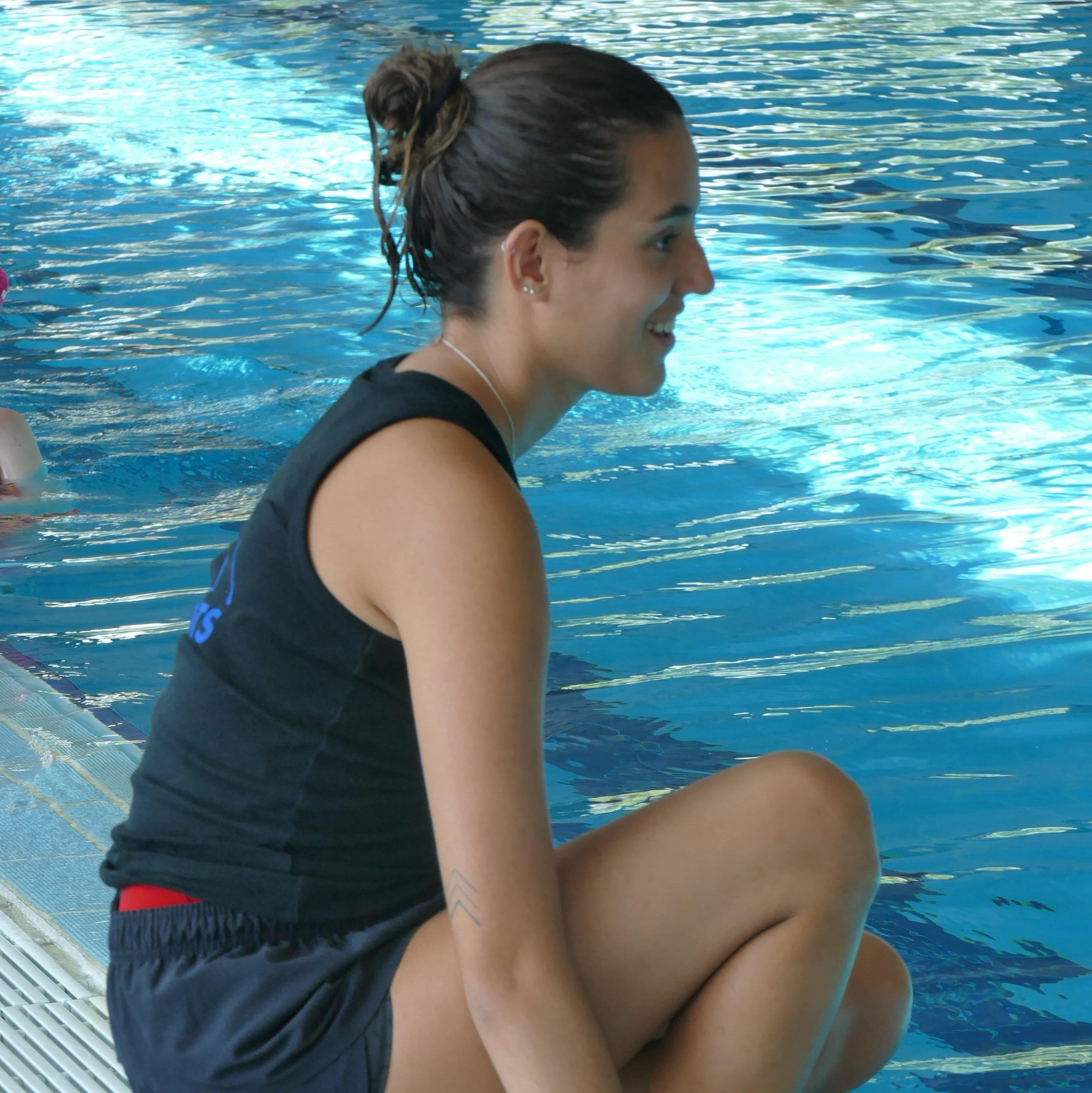 Estel Ferreras - Entrenadora Natació Artística - Offlimitscamps
