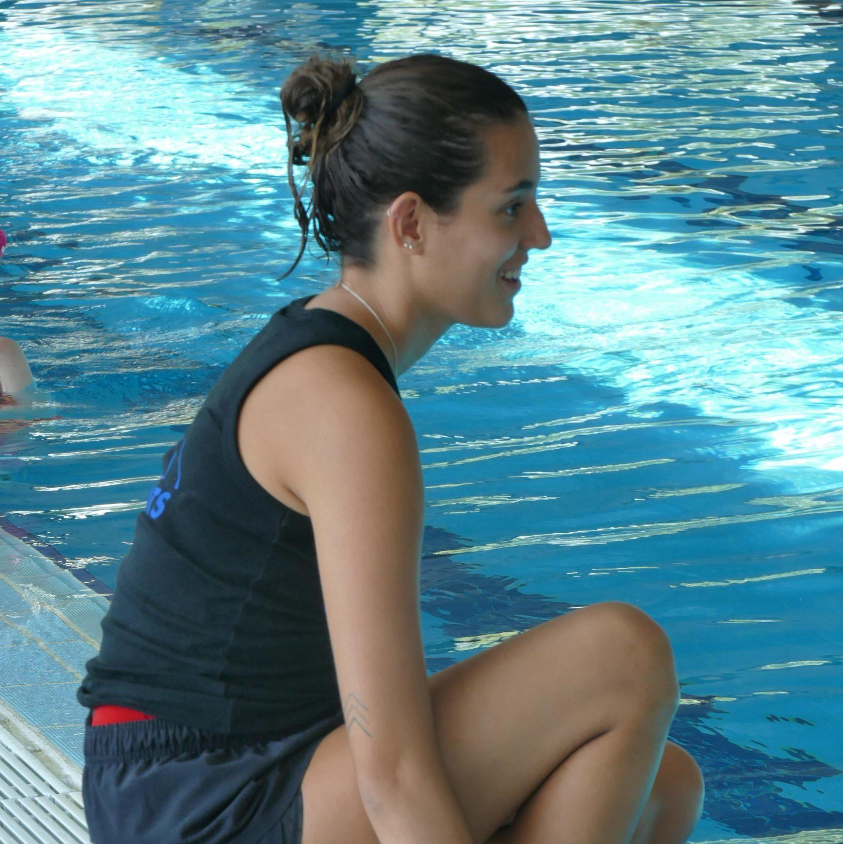 Estel Ferreras - Entrenadora Natación Artística - Offlimitscamps